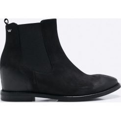 Wojas - Botki. Czarne buty zimowe damskie Wojas, z materiału, z okrągłym noskiem. W wyprzedaży za 239,90 zł.