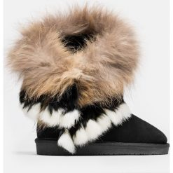 Czarne kozaki krótkie. Czarne buty zimowe damskie marki Kazar, z futra, przed kolano, na wysokim obcasie, na koturnie. Za 699,00 zł.