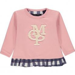Bluza w kolorze jasnoróżowym. Białe bluzy dziewczęce rozpinane marki Marc O'Polo Junior, z nadrukiem, z okrągłym kołnierzem, z długim rękawem. W wyprzedaży za 59,95 zł.