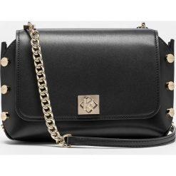 Miodowo czarna torebka damska z wymienną klapką. Czarne torebki klasyczne damskie marki Kazar, w paski, ze skóry, zamszowe. Za 799,00 zł.