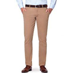 Spodnie Beżowe Chino Tommy II. Brązowe chinosy męskie LANCERTO, w kolorowe wzory, z bawełny. Za 299,90 zł.