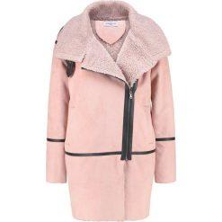 Płaszcze damskie pastelowe: Glamorous Krótki płaszcz light pink
