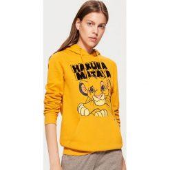 Bluza HAKUNA MATATA - Żółty. Żółte bluzy damskie marki Cropp, l. Za 99,99 zł.