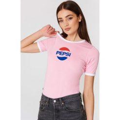 Sweet SKTBS T-shirt Sweet Pepsi Ringer - Pink. Różowe t-shirty damskie marki Sweet SKTBS, z kontrastowym kołnierzykiem. W wyprzedaży za 40,38 zł.