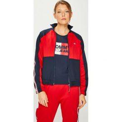 Tommy Jeans - Bluza. Czerwone bluzy z kieszeniami damskie Tommy Jeans, m, z bawełny, bez kaptura. Za 539,90 zł.
