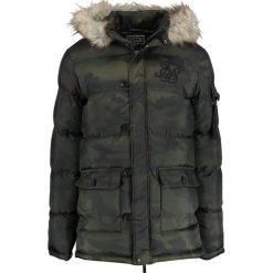 SIKSILK PUFF Płaszcz zimowy khaki. Brązowe płaszcze zimowe męskie marki SIKSILK, m, z materiału. W wyprzedaży za 381,75 zł.