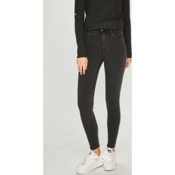 Only - Jeansy. Szare jeansy damskie rurki marki ONLY, s, z bawełny, casualowe, z okrągłym kołnierzem. W wyprzedaży za 99,90 zł.