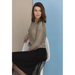 Swetry klasyczne damskie: Ażurowy sweter z dużymi oczkami