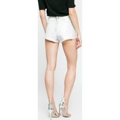 Missguided - Szorty. Szare szorty jeansowe damskie marki Missguided, casualowe, z podwyższonym stanem. W wyprzedaży za 59,90 zł.