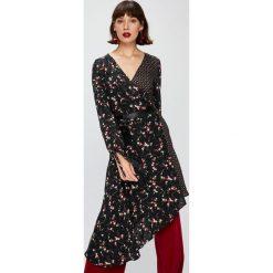 Answear - Sukienka Falling In Autumn. Brązowe długie sukienki ANSWEAR, na co dzień, m, z materiału, casualowe, z asymetrycznym kołnierzem, z długim rękawem, asymetryczne. W wyprzedaży za 119,90 zł.