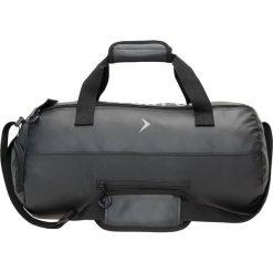 Torba sportowa TPU608 - CZARNY - Outhorn. Czarne torby podróżne Outhorn, w paski, z materiału. W wyprzedaży za 48,99 zł.