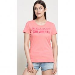 Napapijri - Top. Różowe topy damskie marki Napapijri, m, z aplikacjami, z bawełny, z okrągłym kołnierzem. W wyprzedaży za 89,90 zł.