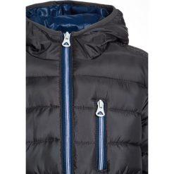 Kaporal NETER Kurtka zimowa titanium. Szare kurtki chłopięce zimowe Kaporal, z materiału. W wyprzedaży za 263,20 zł.