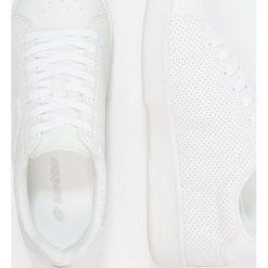 Lotto 1973 VII Obuwie do tenisa Outdoor white. Białe buty do tenisu damskie Lotto, z materiału. Za 209,00 zł.