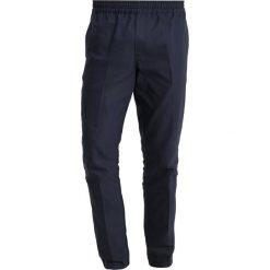 Chinosy męskie: Samsøe & Samsøe SMITH PANTS Spodnie materiałowe dark sapphir