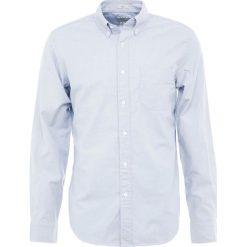 J.CREW MENS STRETCH OXFORD SLIM FIT Koszula storm cloud. Białe koszule męskie slim marki J.CREW, z bawełny. Za 349,00 zł.