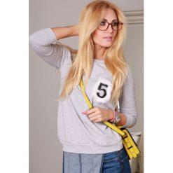 Bluza jasnoszara 9816. Czarne bluzy damskie marki Fasardi, m, z dresówki. Za 48,90 zł.