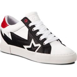 Sneakersy GUESS - FLPOT4 PEL12 BLKRE. Białe sneakersy damskie Guess, z materiału. Za 439,00 zł.