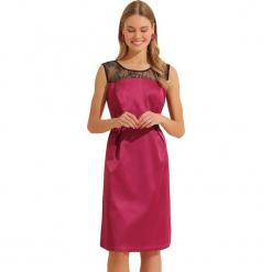 Sukienka w kolorze czarno-różowym. Czarne sukienki na komunię marki Almatrichi, s, z dekoltem na plecach, midi, proste. W wyprzedaży za 199,95 zł.