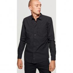 Czarna koszula z kolekcji MODULAR - Czarny. Czarne koszule męskie marki Cropp, l. Za 99,99 zł.