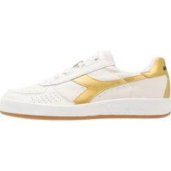 Diadora B.ELITE Tenisówki i Trampki white/gold. Białe tenisówki damskie Diadora, z materiału. W wyprzedaży za 377,10 zł.