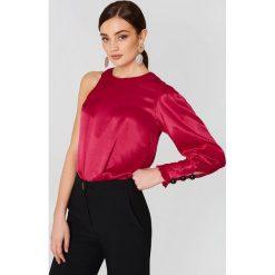 Bluzki damskie: MANGO Asymetryczna bluzka z satyny – Red