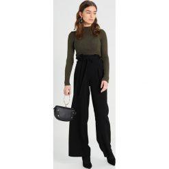 Swetry klasyczne damskie: Topshop Petite BUTTON ROLL Sweter khaki