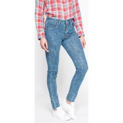Levi's - Jeansy 721. Brązowe jeansy damskie rurki marki Levi's®, z bawełny, z podwyższonym stanem. W wyprzedaży za 259,90 zł.