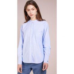 CLOSED ROWAN Koszula cornflower. Niebieskie koszule damskie CLOSED, xs, z bawełny. Za 539,00 zł.