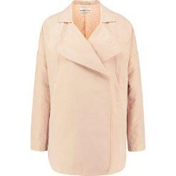 Płaszcze damskie pastelowe: Teddy Smith MAGGY Krótki płaszcz nude