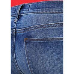 GAP KEITH Jeansy Slim Fit medium indigo. Niebieskie rurki damskie GAP. Za 269,00 zł.