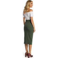 CHRISTINE Ołówkowa spódnica z wysoką talią i zamkiem - militarno zielona. Zielone spódniczki ołówkowe Moe, sportowe. Za 99,00 zł.