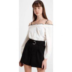 Bluzki asymetryczne: Vero Moda Tall VMLINNEA OFF SHOULDER  Bluzka snow white