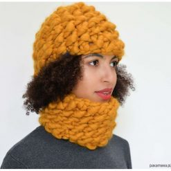 Czapki damskie: Komplet musztardowa czapka i komin wełniany