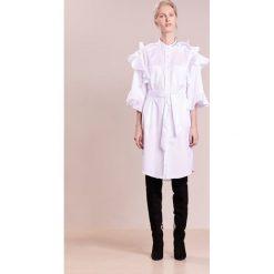 Each x Other Sukienka koszulowa white. Białe sukienki letnie marki Each x Other, m, z bawełny, z koszulowym kołnierzykiem, koszulowe. W wyprzedaży za 994,05 zł.