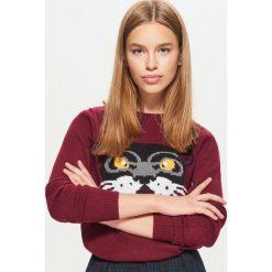 Sweter - Bordowy. Czerwone swetry klasyczne damskie Cropp, l. W wyprzedaży za 29,99 zł.