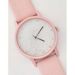 Zegarek z błyszczącą tarczą - Różowy. Czerwone zegarki damskie House. Za 29,99 zł.