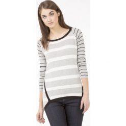 Swetry klasyczne damskie: Sweter w prążki