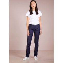 Emporio Armani Jeans Skinny Fit raw. Niebieskie jeansy damskie marki Emporio Armani. W wyprzedaży za 399,50 zł.