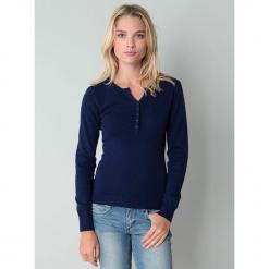 Sweter w kolorze granatowym. Niebieskie swetry klasyczne damskie marki William de Faye, z kaszmiru. W wyprzedaży za 136,95 zł.
