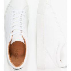 Zign Tenisówki i Trampki white. Białe tenisówki męskie Zign, z materiału. Za 379,00 zł.