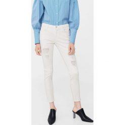 Mango - Jeansy. Szare jeansy damskie slim marki Mango. W wyprzedaży za 69,90 zł.