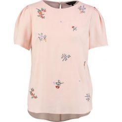 Bluzki asymetryczne: Dorothy Perkins EMBROIDERED Bluzka blush