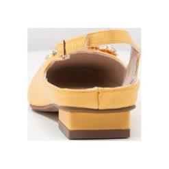 Baleriny damskie lakierowane: Alma en Pena Baleriny yellow