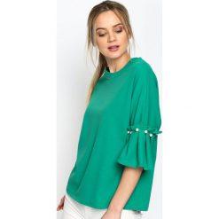 Zielona Bluzka Romantic Way. Zielone bluzki z falbaną Born2be, s, z falbankami. Za 59,99 zł.