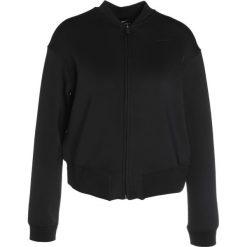 Nike Performance Kurtka sportowa black/black. Czarne kurtki sportowe damskie marki Nike Performance, l, z elastanu. W wyprzedaży za 272,35 zł.