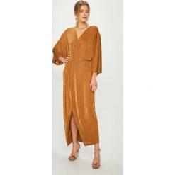 Answear - Sukienka Night Fever. Szare długie sukienki marki ANSWEAR, na co dzień, uniwersalny, z dzianiny, casualowe, proste. Za 169,90 zł.