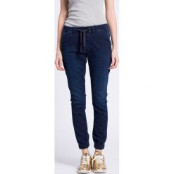 Pepe Jeans - Jeansy Cosie. Niebieskie jeansy damskie marki Pepe Jeans, z bawełny. W wyprzedaży za 239,90 zł.