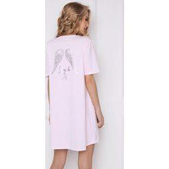 Damska koszula nocna Angel różowa. Szare koszule nocne i halki marki Astratex, w koronkowe wzory, z bawełny. Za 103,99 zł.