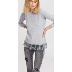 Jasnoszary Sweter Rows Of Fringes. Szare swetry klasyczne damskie other, na jesień, l. Za 74,99 zł.